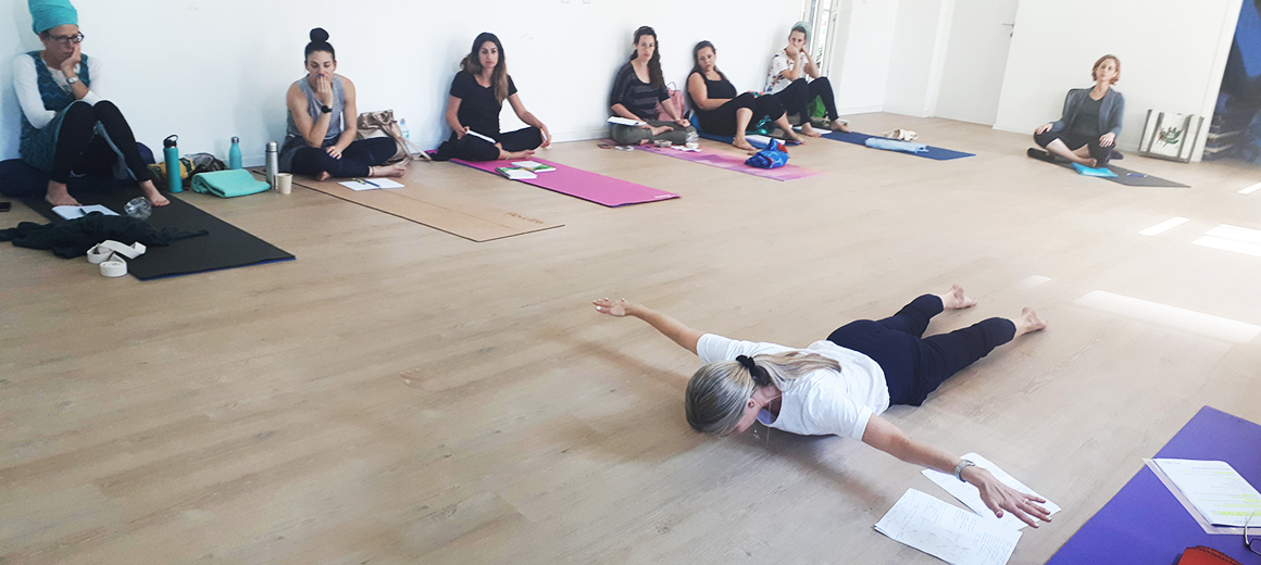 Villa Yoga - מרחב ליוגה קורס מורות ליוגה הכשרה